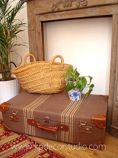 Maletas antiguas para decorar locales, restaurantes, tiendas, escaparates y bodas.