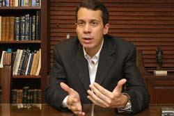 Jorge Mera pide a gobierno explicacion de retiro de visa