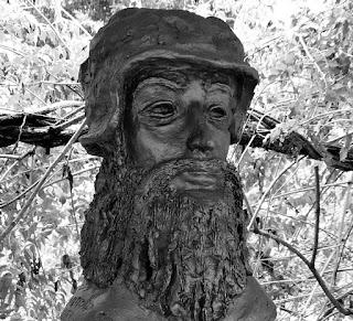 Busto de Leonardo da Vinci: pintor e inventor italiano.