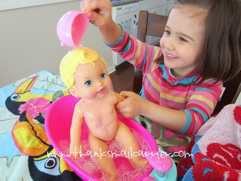 Little Mommy Bubbly Bathtime doll review