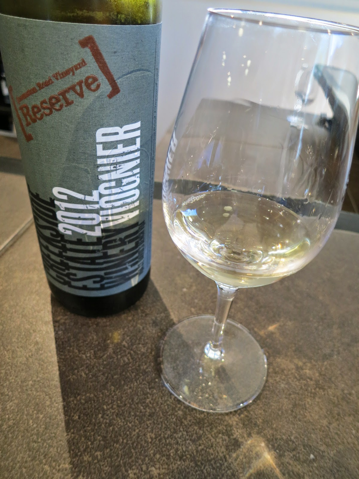 Wine Review of 2012 Creekside Reserve Viognier from Queenston Road Vineyard, VQA St. David's Bench