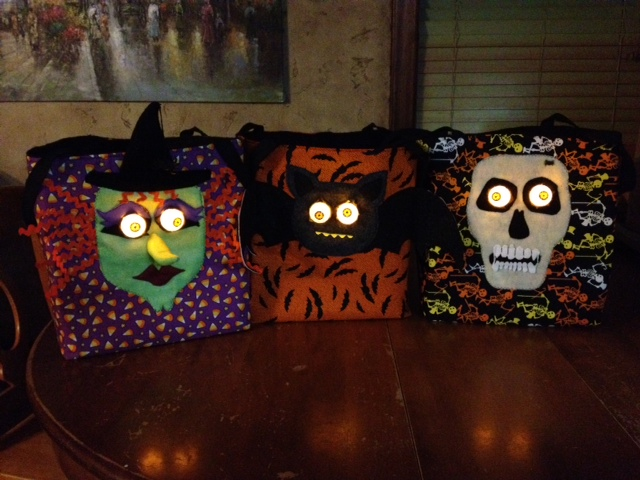Ideas for decorating halloween treat bags
