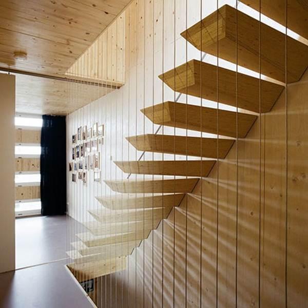 tangga-kayu-rumah-moden