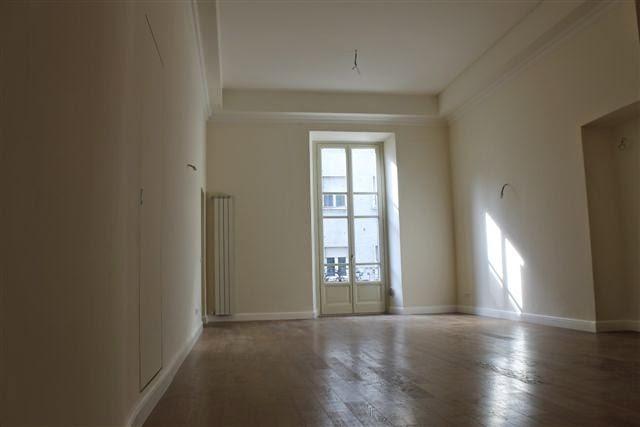 Sanremo in palazzo d 39 epoca in pieno centro appartamenti for Foto di appartamenti ristrutturati