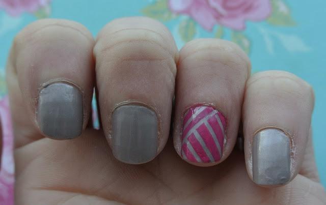 sunday nails pink stripes nail varnish