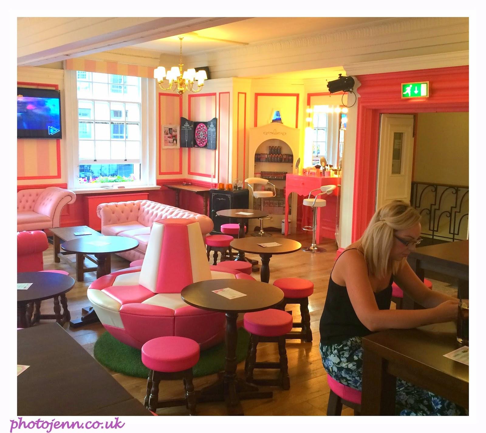 gabbis-head-benefit-cosmetics-pub-pink-girls-bar