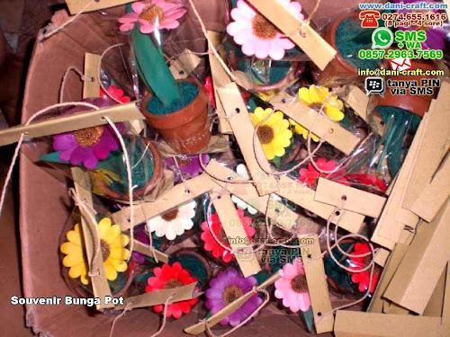Souvenir Bunga Pot Clay Jogja