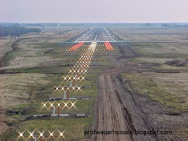 High Quality Articles: Why Are Runway Lights White, Taxiway Lights Blue And Airport  Lights Rotating Green And White Beacon Lights? Great Pictures