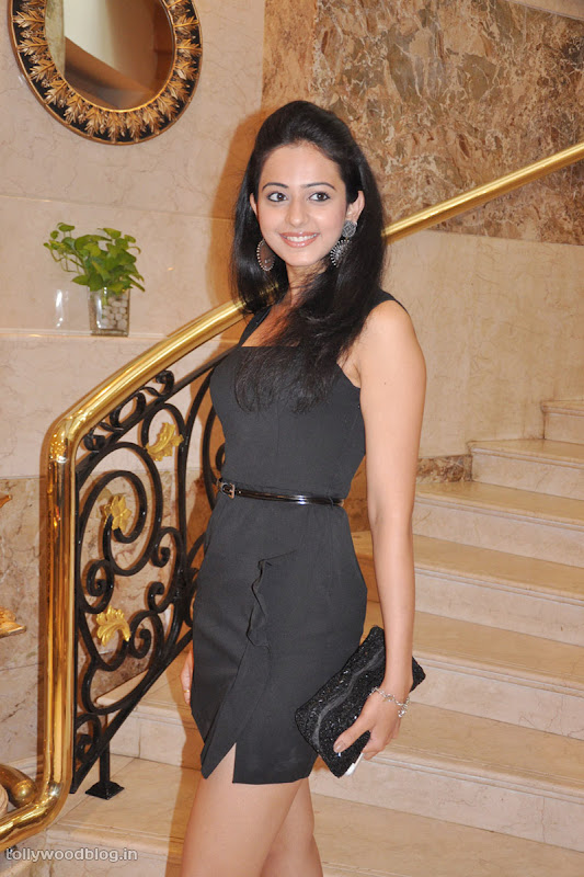 Keratam Actress Rakul Preet Sign Photos wallpapers
