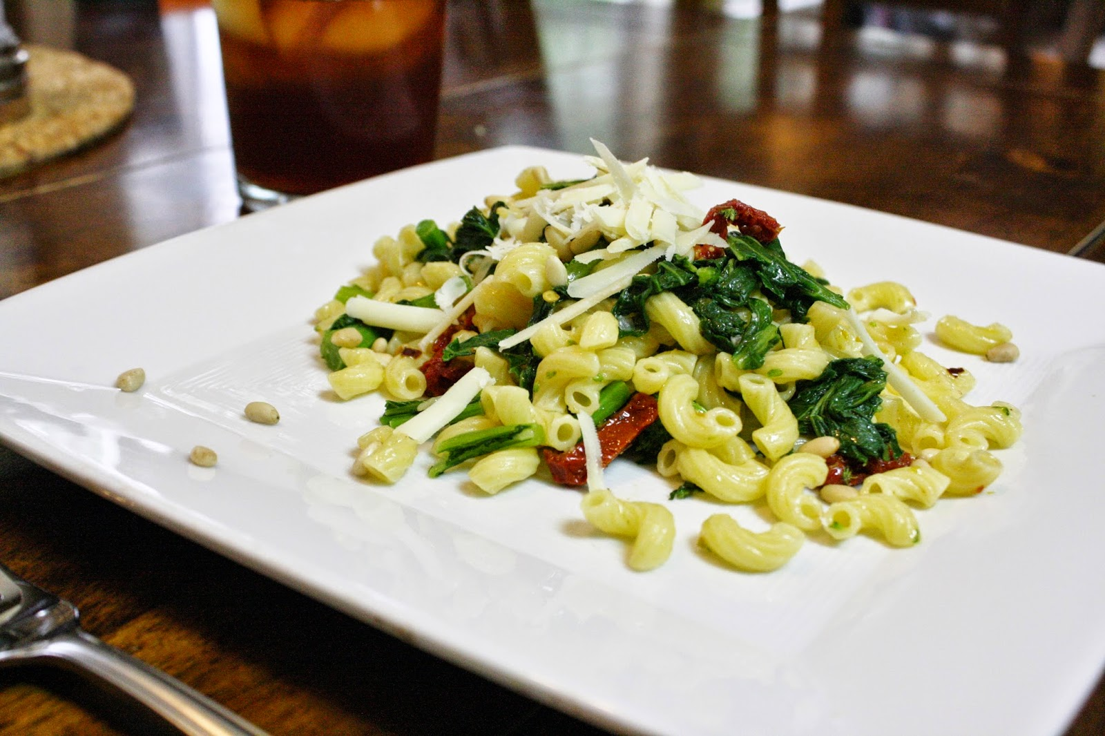 Eat.Pray.Juice.: pasta with broccoli rabe and sun-dried tomatoes