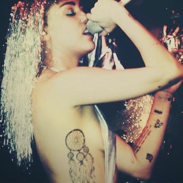 Miley Cyrus sigue publicando fotos