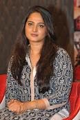 Anushka latest glamorous photos-thumbnail-6