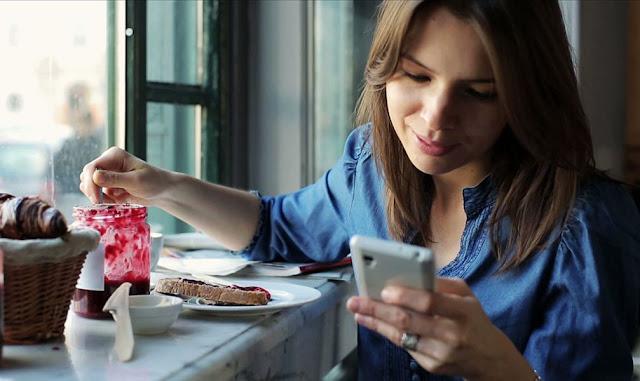 5 Tanda Bahwa Kamu Sudah Kecanduan Smartphone