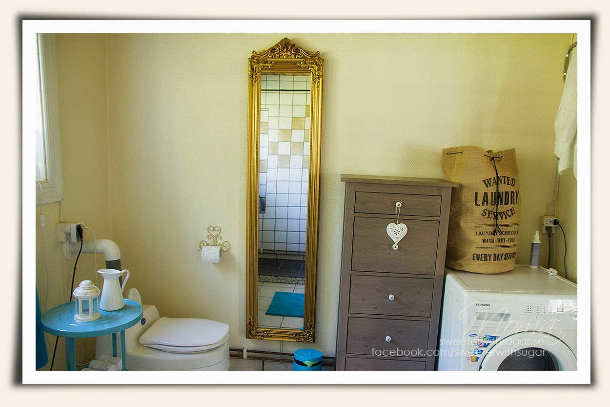 vintage living, bath room