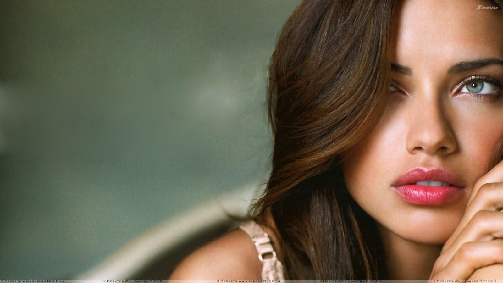 http://3.bp.blogspot.com/-30hDTpn6ssU/T2oV3hlpYKI/AAAAAAAABwk/WkntH28s-YA/s1600/Adriana-Lima-Pink-Lips-And-Blue-Eyes-Face-Closeup.jpg
