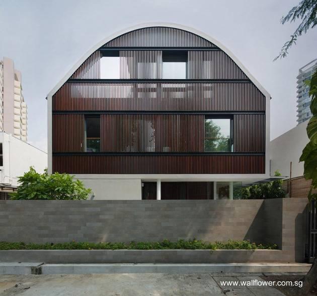 Residencia contemporánea de techo curvo en Singapur