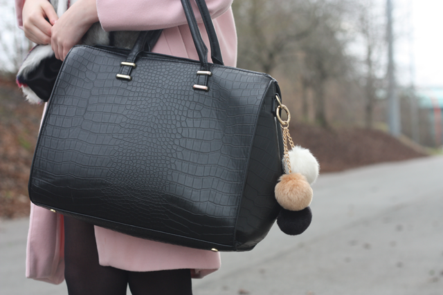bag pom poms uk fashion blog