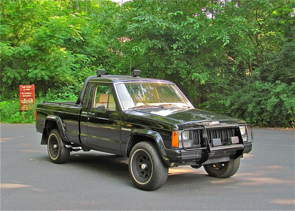 Daily Turismo Black Friday 1990 Jeep Comanche