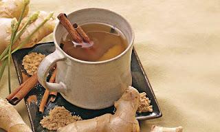 chá de gengibre e cravo da índia