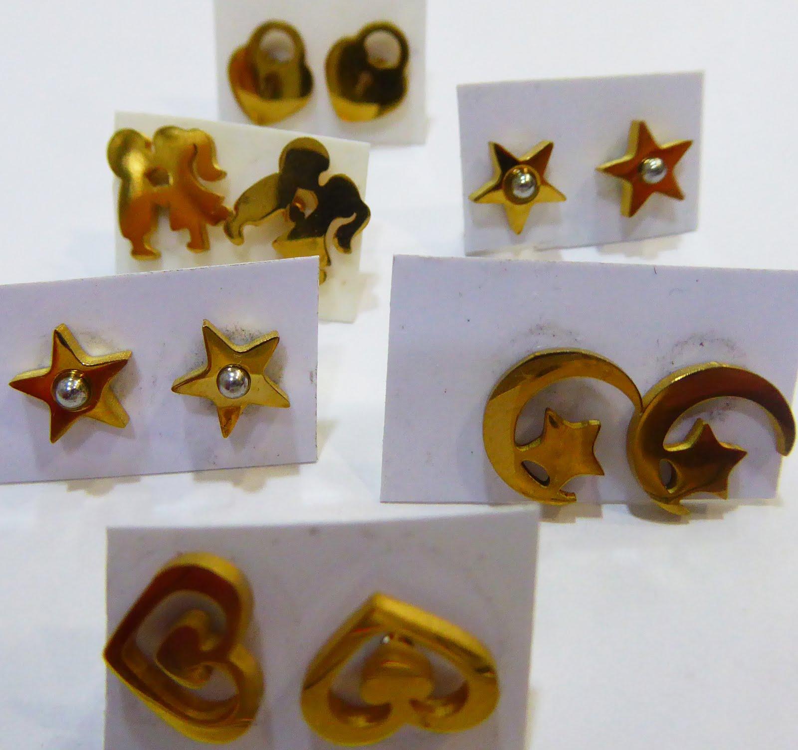 Pendientes de acero dorado