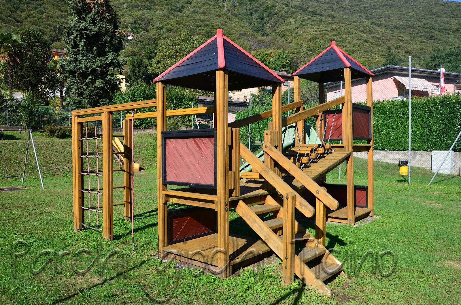 Parco giochi gravesano luganese parchi giochi ticino for Altalena con ponte