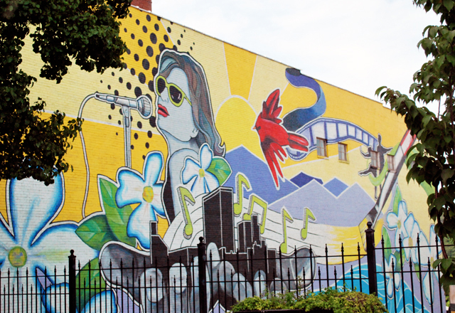 "Mural in Downtown Lynchburg, Virginia | Em Busy Living, ""Weekly Roundup"""