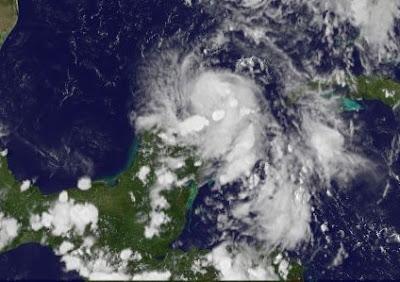 Tropischer Sturm DON 2011 zieht an Yucatán vorbei in den nördlichen Golf von Mexiko, 2011, Atlantik, aktuell, Cancún, Don, Golf von Mexiko, Hurrikansaison 2011, Karibik, Mexiko, Riviera Maya, Playa del Carmen, Cozumel, Sturm, Touristen, USA, Texas, Yucatán, Vorhersage Forecast Prognose,
