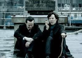 http://www.dailymail.co.uk/news/article-2532304/Sherlock-Twitter-fans-react-rooftop-plunge-mystery-finally-solved.html