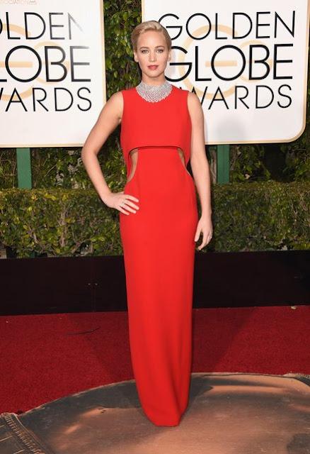 Emilia Clarke Got Ready for the 2016 Golden Globes