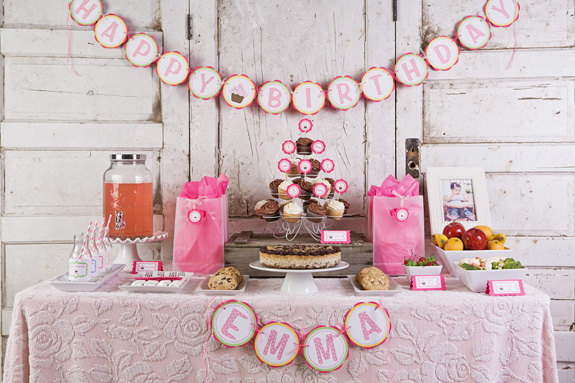 Get The Party Started giveaway cupcake theme