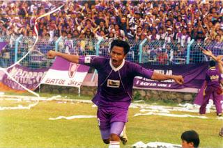 Ilham Jaya Kesuma pada saat masa kejayaanya bersama Persita dan Timnas Indonesia