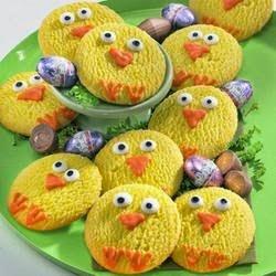 http://www.diamondsfordessert.com/2012/04/easter-chick-cookies.html