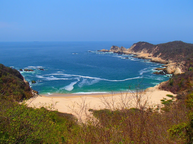 Somewhere on the Pacific Coast of MexicoFrom Colima we drove down to highway 200 that leads along the Pacific coast, a very spectacular drive. We headed Southeast and jumped from one lovely beach to another: Pascuales, La Ticla, Maruata, Playa Azu...