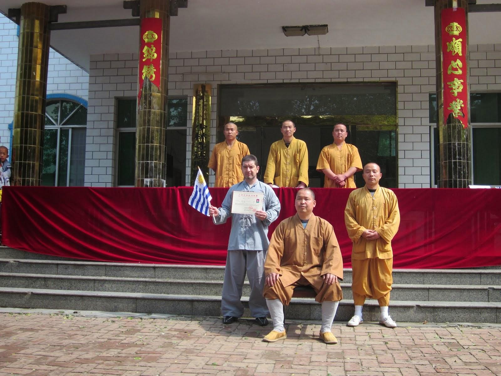 Foto de graduación para 3 TUAN en Shaolin