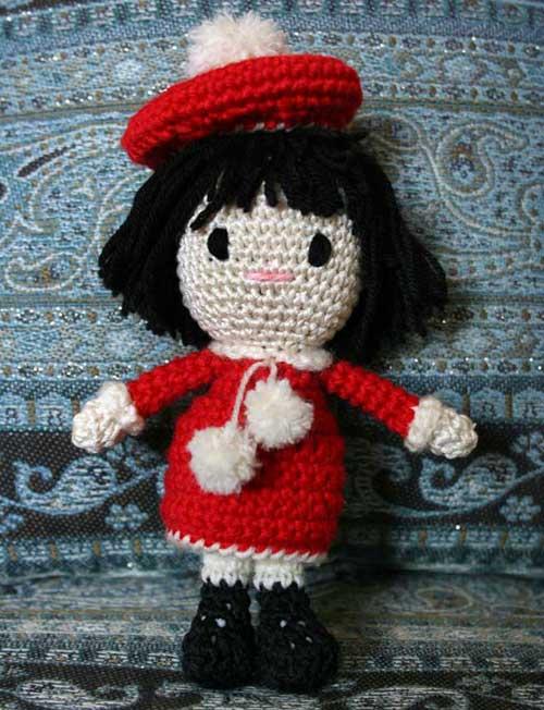 Bambola Amigurumi parigina