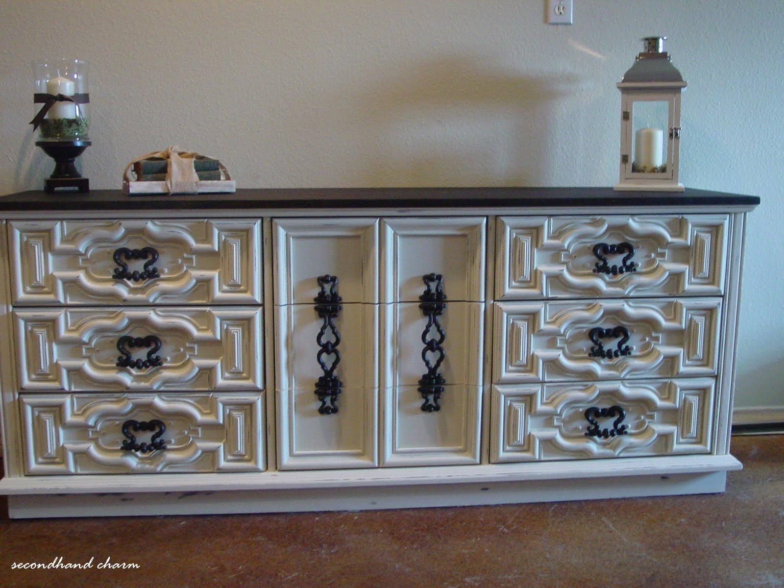 secondhand charm wood sideboard buffet or dresser 400 sold. Black Bedroom Furniture Sets. Home Design Ideas