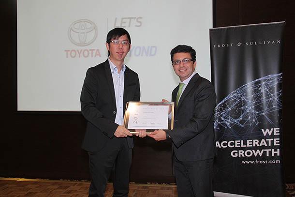 Toyota Kijang Innova Berhasil Meraih Penghargaan 2016 Frost dan Sullivan Car of The Year