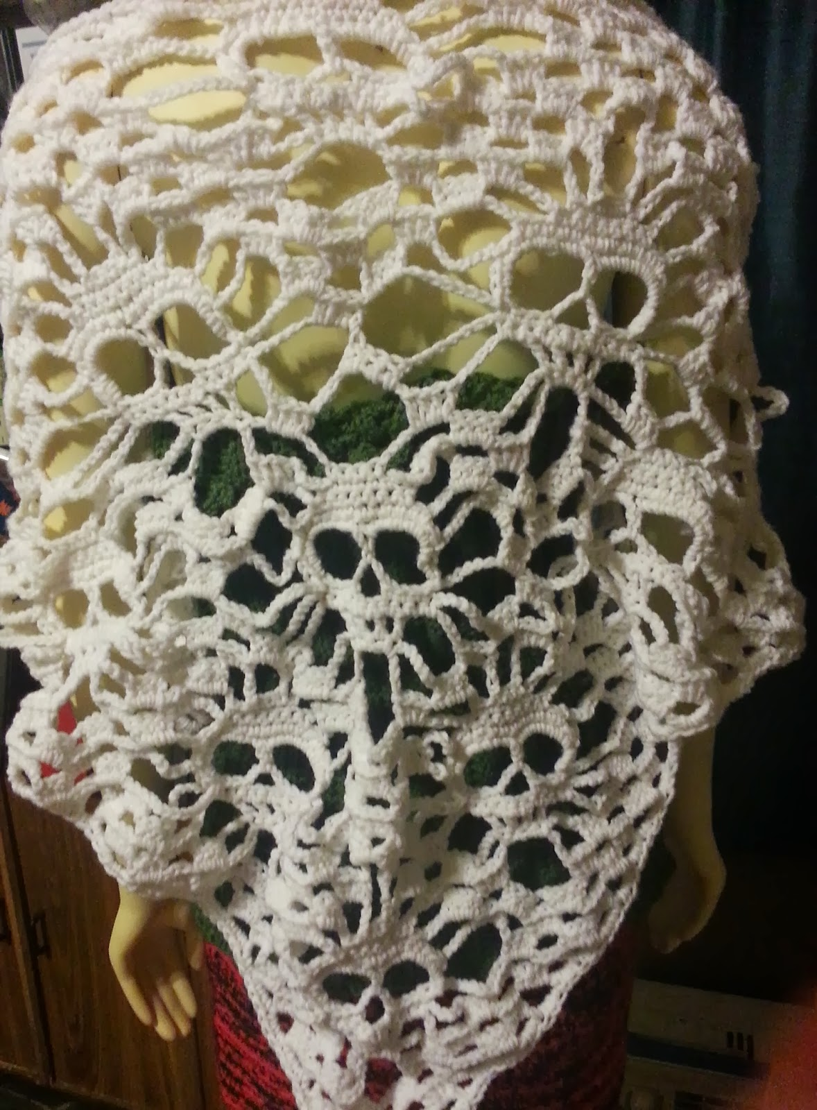 Intimate Threads- Crochet and other Crafty Creations: Skull Shawl