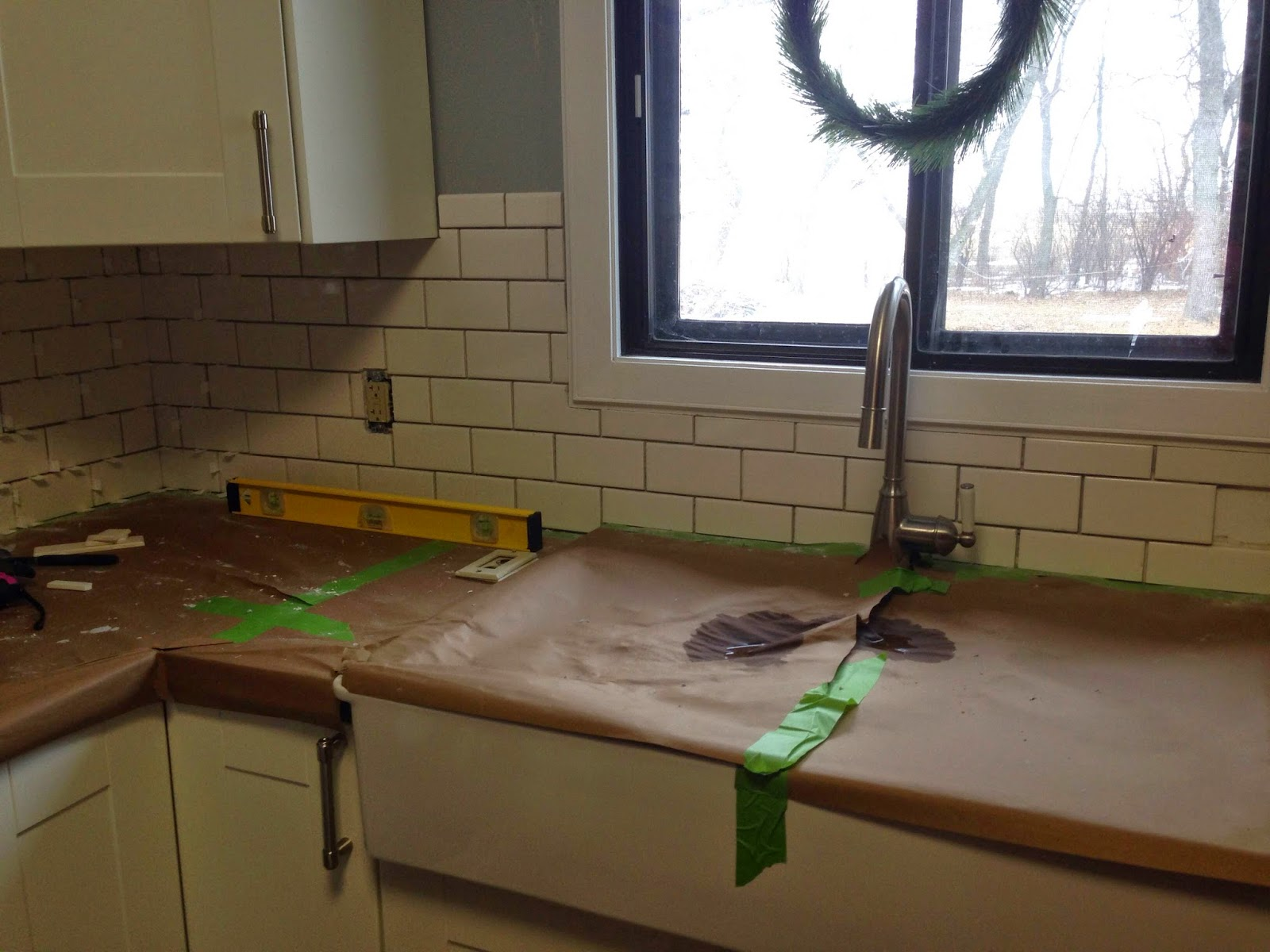 the dabbling crafter diy sunday ugly house subway tile backsplash before after