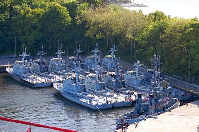 Okręty wojskowe