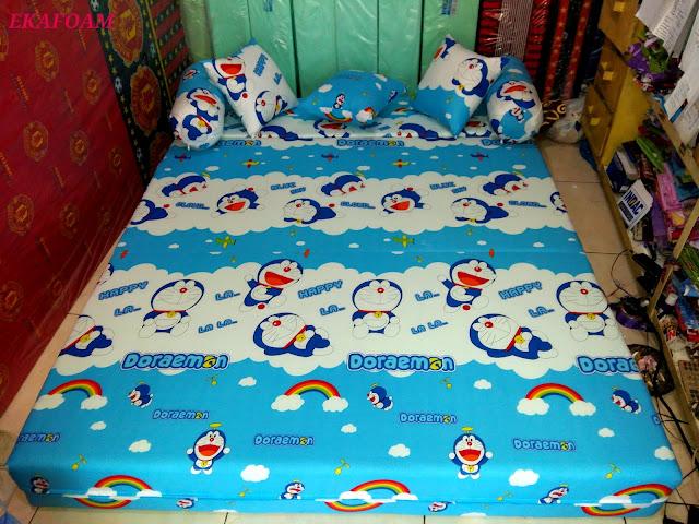 sofa bed inoac motif doraemon ikuran nomor 2 saat di fungsikan sebagai kasur inoac normal