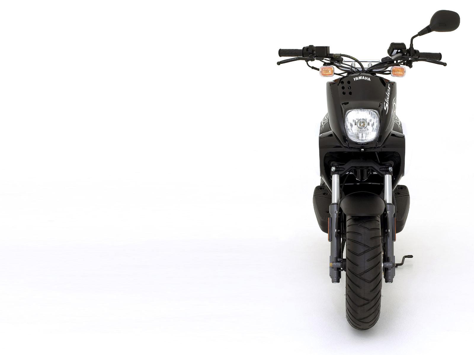http://3.bp.blogspot.com/-340GRv40FvM/TkpBXWpImmI/AAAAAAAACkM/jOGY3jNQ0XQ/s1600/Yamaha-scooter-pictures_2007_Slider_Naked_10.jpg