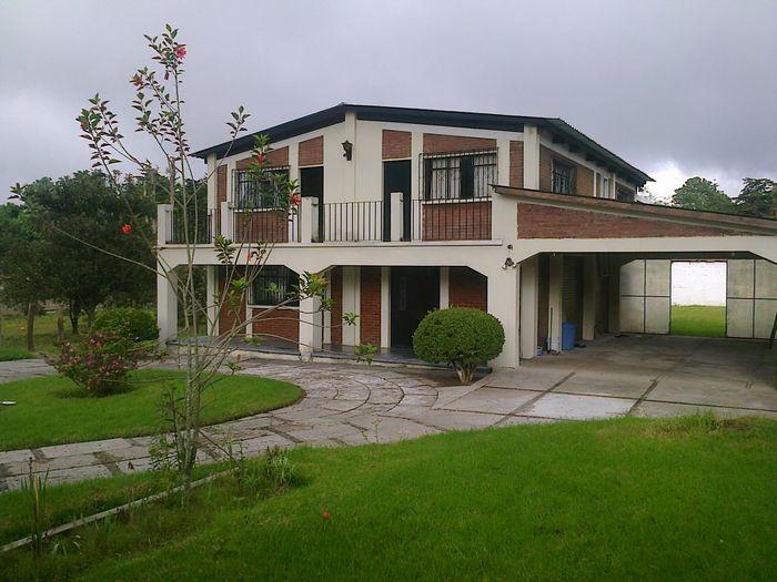 Citymax antigua casa grande en venta en san lucas for Casas modernas guatemala