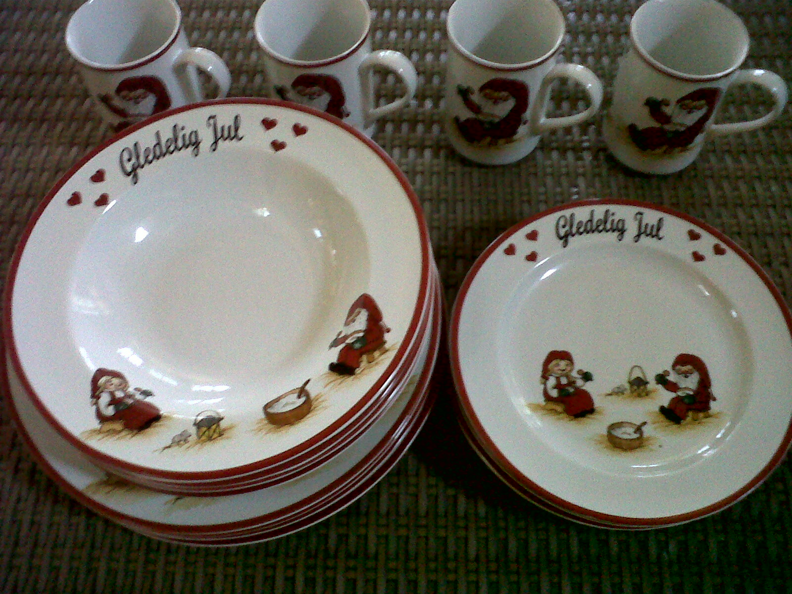 diah didi 39 s kitchen hobi baruku koleksi keramik sango. Black Bedroom Furniture Sets. Home Design Ideas