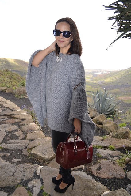 Jersey_Poncho_Outfit_Post_Zara_01