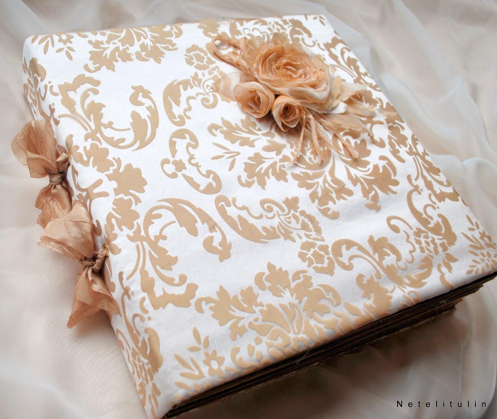 Что подарить на атласную свадьбу родителям своими руками
