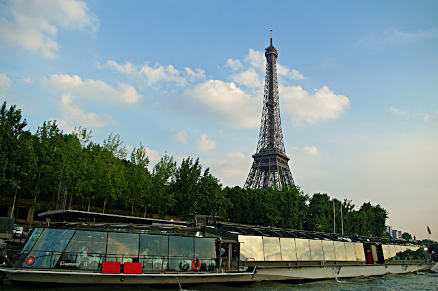 Tour Eiffel vue de la Seine Paris photo