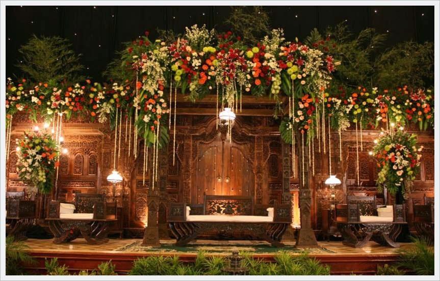 kwade dan dekor panggung