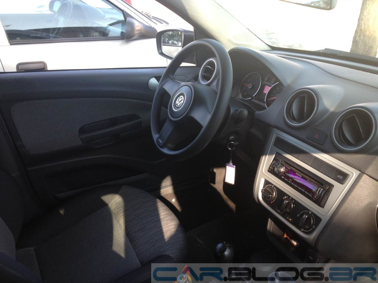 Volkswagen Gol 1.0 Trend - interior