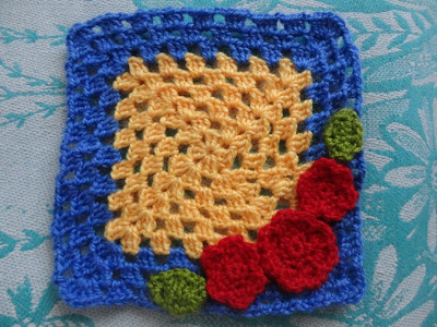 How to Crochet a Granny Square : Round two